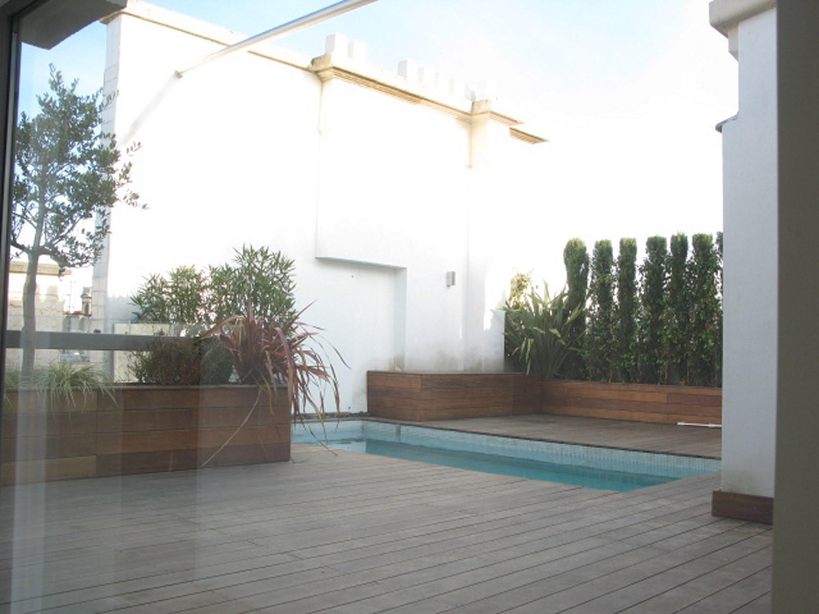Лофт Rue Du Louvre 520м + бассейн на крыше
